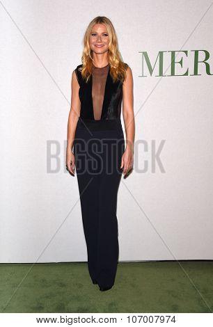 LOS ANGELES - OCT 13:  Gwyneth Paltrow arrives to the La Mer