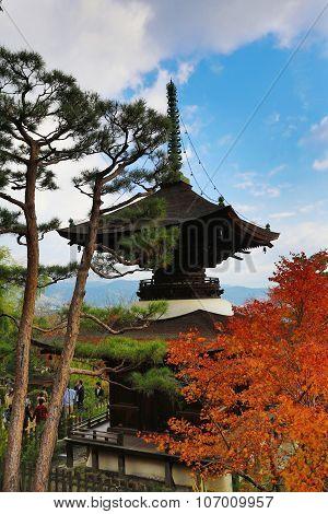 Fall Season At Deva Of Jojakukoji Temple