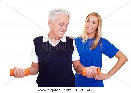Anciana con Entrenador Personal