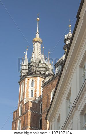 Poland, Krakow, St Mary Curch Towers, Midday