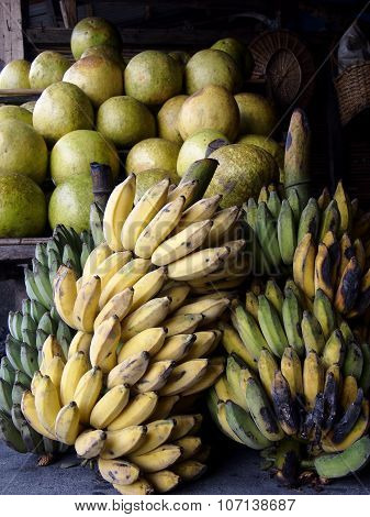 Fresh bananas and pomelo fruits