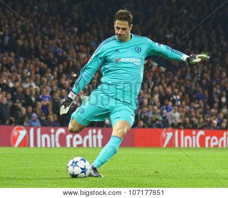 LONDON, ENGLAND - NOVEMBER 04 2015: goalkeeper Asmir Begovic of Chelsea during the UEFA Champions League match between Chelsea and Dynamo Kyiv at Stamford Bridge on November 04, 2015