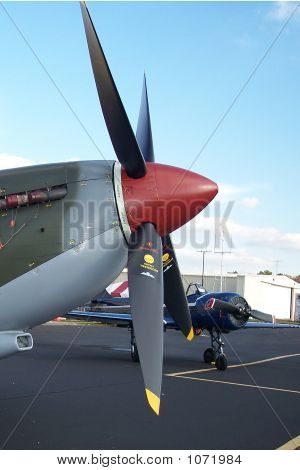 Airshow 875