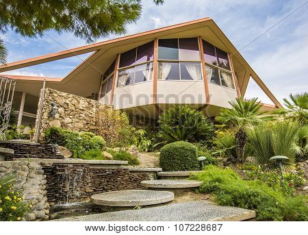 Mid Century Modern Elvis Presley Honeymoon Home