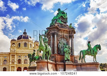 Maria Theresa Square.monuments Of The Great Empress Of Austria-maria Theresa. Vienna, Austria.
