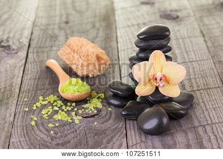 Spa With Bath Salt, Loofah And Zen Stones