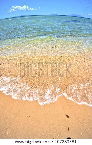 Paradise Beach  Indian Ocean Nosy Be   And Foam