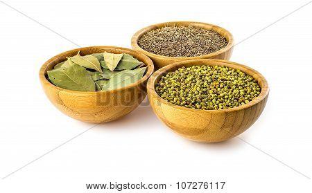 Indian Dhaniya Seeds, Bay Leaves And Cumin