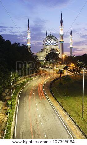 The Beautiful Sultan Salahuddin Abdul Aziz Shah Mosque