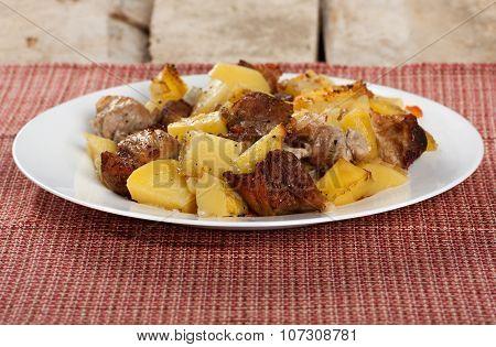 roasted patatoe meat