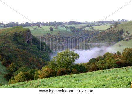 Thors caverna, névoa abaixo