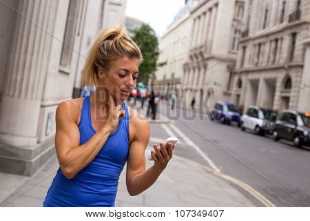 runner checking pulse
