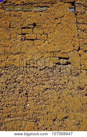 The way of saint James adobe mud walls at Palencia Spain