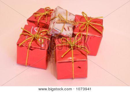 Presents 2-1