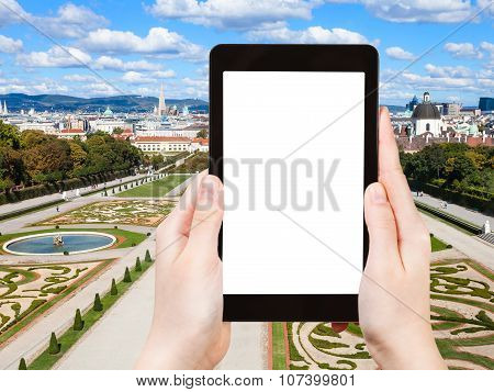 Photographs Lawns Of Belvedere Palace In Vienna