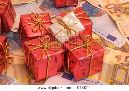 Presents And Money 2-2