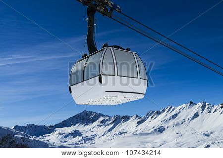 Cablecar To Val D'isere,