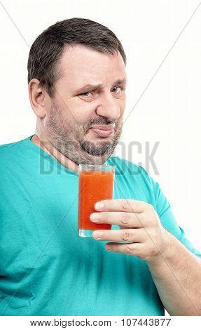 Guy is disgusted by antioxidant drink