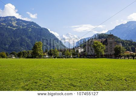 Hohe Matte (high Meadow) In Interlaken
