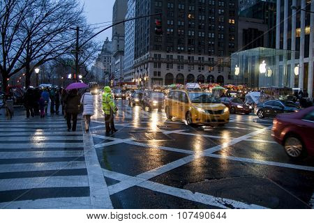 New York City, USA. December 09, 2012. RAiny evening view of the 5th ave in NYC