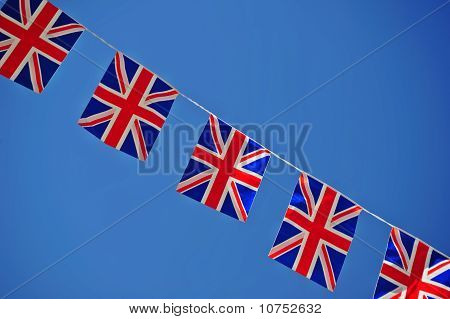 Union Jacks In einer Linie