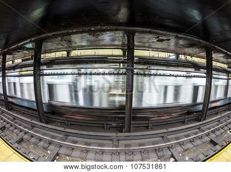 Train In Subway Stationatlantc Avenue In New York