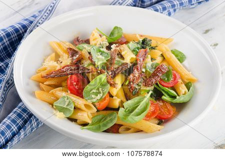 Penne With Sun Dried Tomatoes
