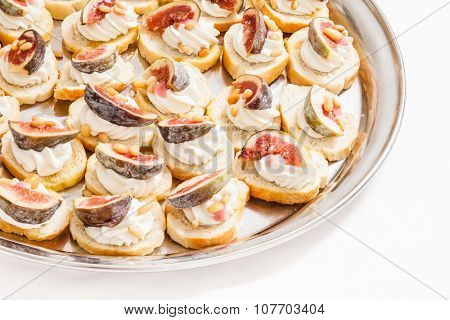 canape with cream cheese and fig