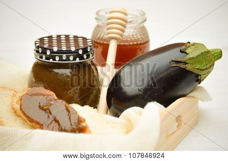 Eggplant marmalade with honey