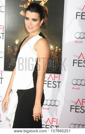 LOS ANGELES - NOV 9:  Cote de Pablo at the AFI Fest 2015 Presented by Audi -