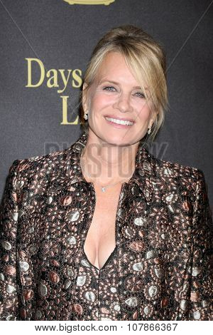 LOS ANGELES - NOV 7:  Mary Beth Evans at the Days of Our Lives 50th Anniversary Party at the Hollywood Palladium on November 7, 2015 in Los Angeles, CA