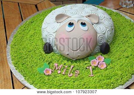 Lamb birthday cake