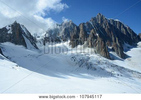 Peaks Above Icefield