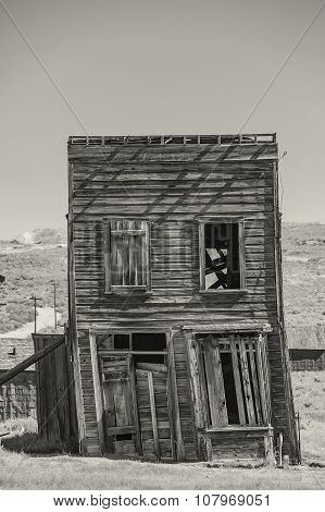 Leaning Commercial Building In California Ghost Town