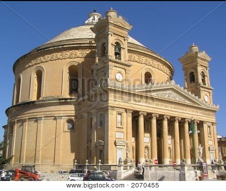 Mosta Dome Outside