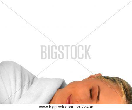 Hermosa mujer durmiendo