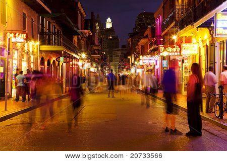 New Orleans, Bourbon Street bei Nacht, Skyline-Fotografie
