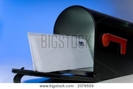 Postfach mit leeren Brief