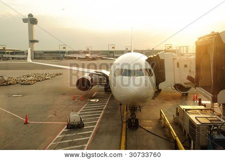 maintenance of civil aircraft in JFK airport
