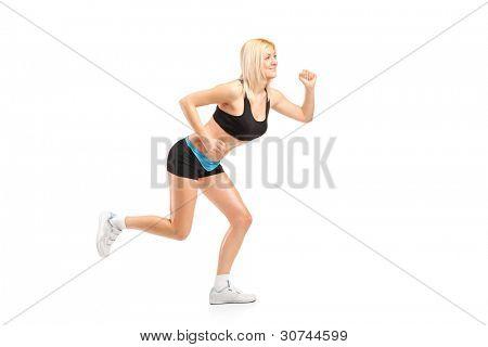 Uma mulher atraente, executando isolado no fundo branco