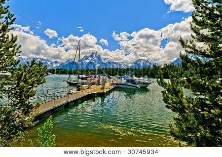Colter Bay Marina en Lago Jenny