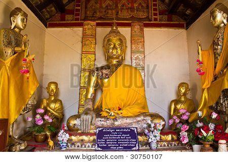 Buddha Statue In Wat Prabattakpha