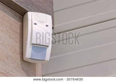 Sensor To Detect Burglars
