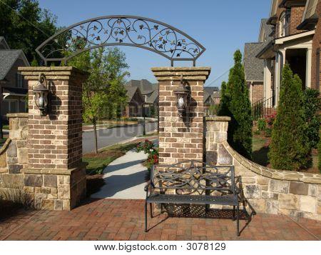 Luxus-Vorort-Bogen-Gateway