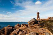 image of por  - Pors Kamor lighthouse - JPG