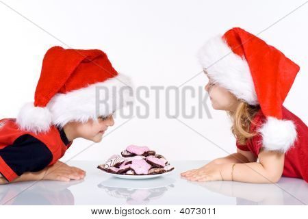 Happy Kids mit Weihnachtskekse