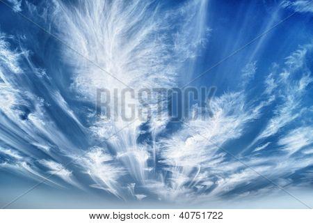 Durante o dia céu com nuvens Stratus