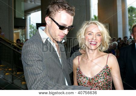 Heath Ledger y Naomi Watts