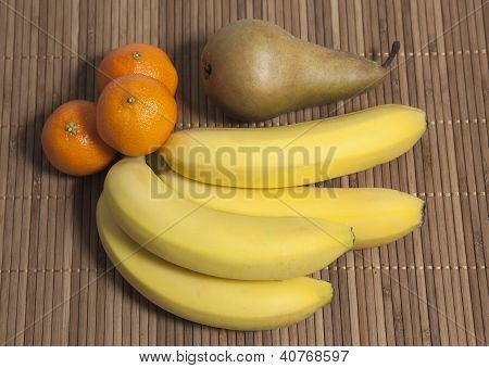 Bananas Mandarins Pear