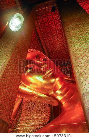 Reclining Buddha statue in Thailand